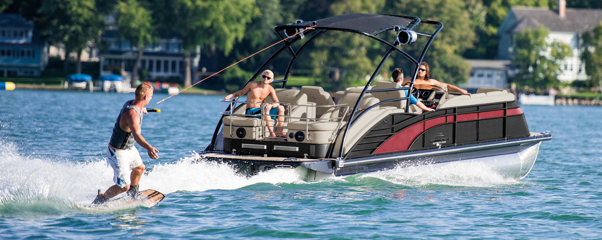 2017 Bennington 25QCWT-IO wakeboarding pontoon